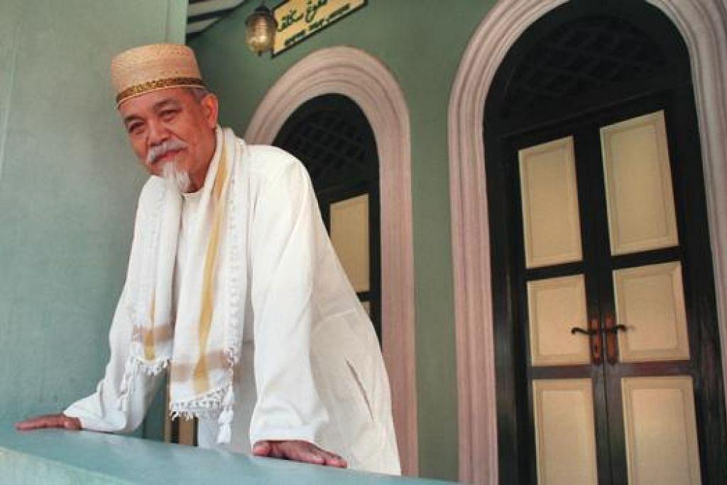 BERJASA SEHINGGA DETIK AKHIR: Dari zaman remaja sehingga usia senja, Hj Mohd Anis Tairan (1932-2014) terus menabur jasa di kawasan Siglap, khususnya di Masjid Kampung Siglap dan pembinaan Darul Qurannya.
