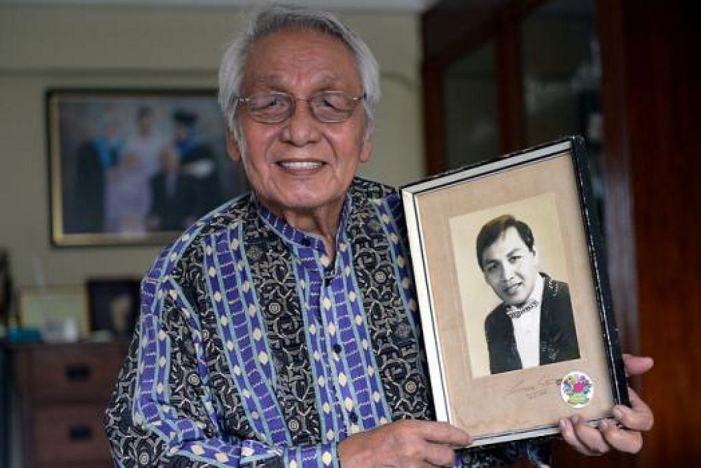 BERMULA SEBAGAI PENARI: M. Wari, kini berusia 70-an tahun, dengan gambarnya semasa masih muda dan menjadi pelakon pentas, televisyen dan filem.