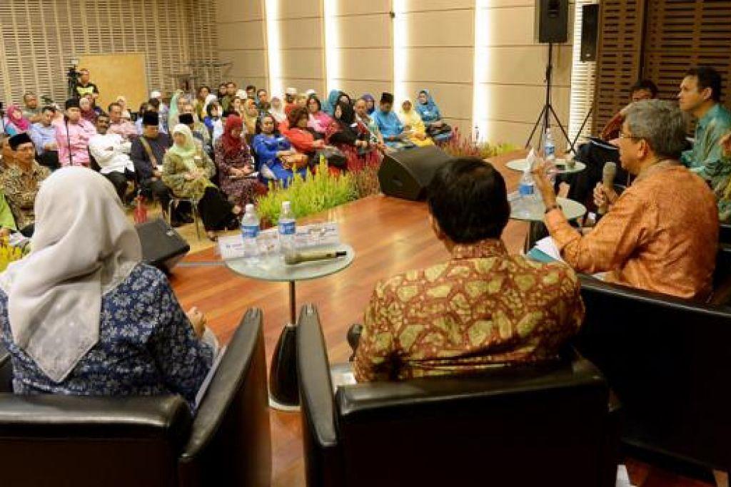 PELBAGAI TOPIK: Sekitar 150 pemimpin akar umbi Melayu menghadiri sesi dialog anjuran Mesra. Antara topik yang dibincangkan termasuk isu belia, persaraan dan perumahan.