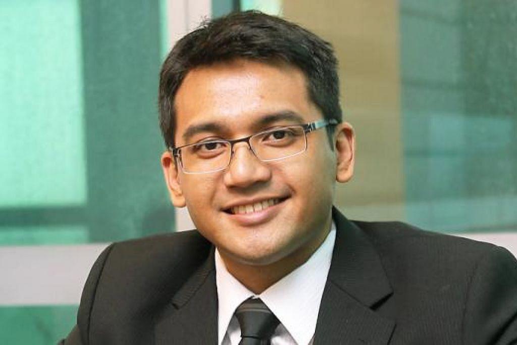 KENALI PASARAN SINGAPURA: Sidang Khidmat Kewangan Islam (IFSC) dipengerusikan bersama Encik Abdul Rohim Sarip dan Encik Suhaimi Zainul-Abidin (atas).