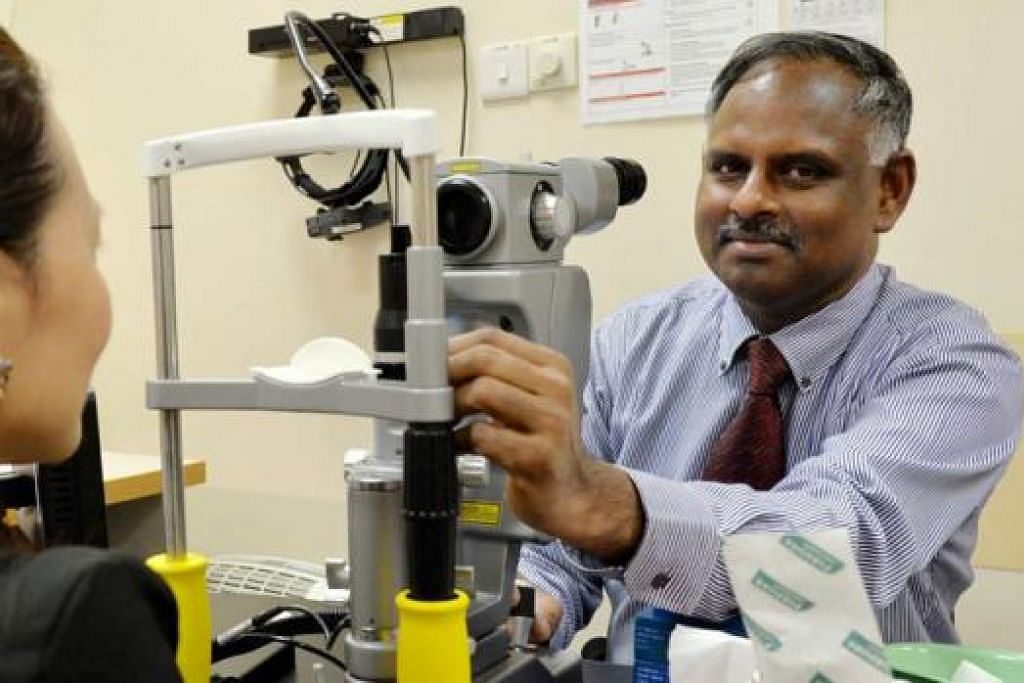PERLU KESAN AWAL: Dr Rajagopalan akui ramai pesakit kencing manis tidak sedar akan masalah 'diabetic retinopathy' yang timbul akibat penyakit mereka dan jika tidak dirawat awal boleh menyebabkan mata menjadi buta. - Foto KHALID BABA