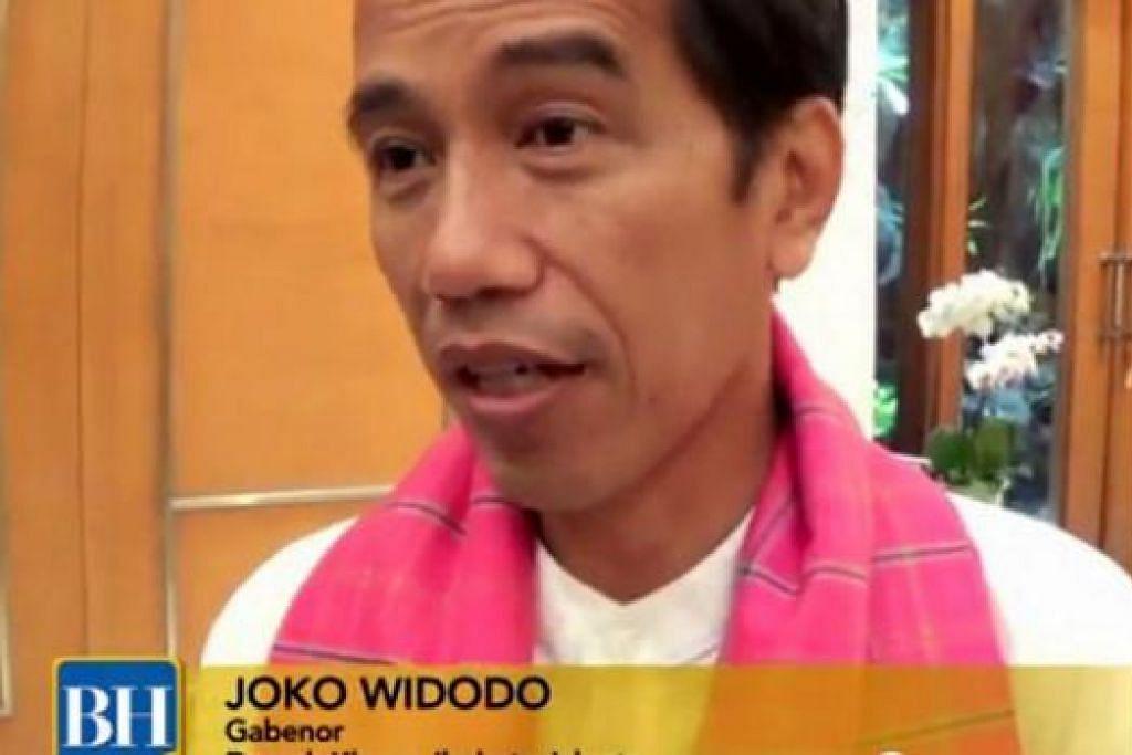 VIDEO TERBAIK: Video mengenai masalah banjir di Jakarta, yang memenangi video terbaik EMND bulan Februari, turut memuatkan temu ramah bersama Presiden Dilantik Indonesia, yang ketika to Gabenor Jakarta, Encik Joko Widodo.
