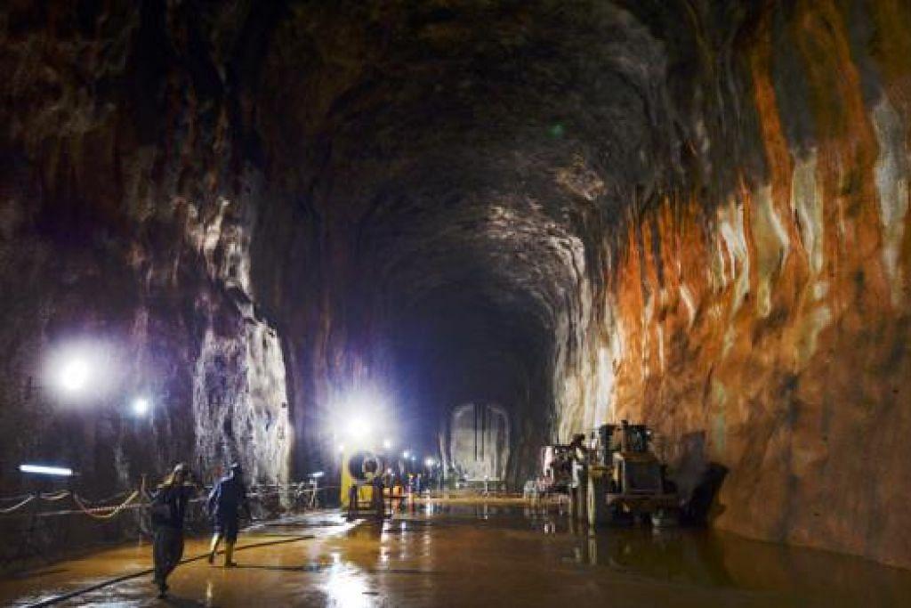BERI PENGALAMAN BERHARGA: Pengalaman membina gua simpanan bawah tanah ini memberikan Singapura kepakaran bagi meneroka peluang pembinaan gua bawah tanah yang lain. - Foto THE STRAITS TIMES