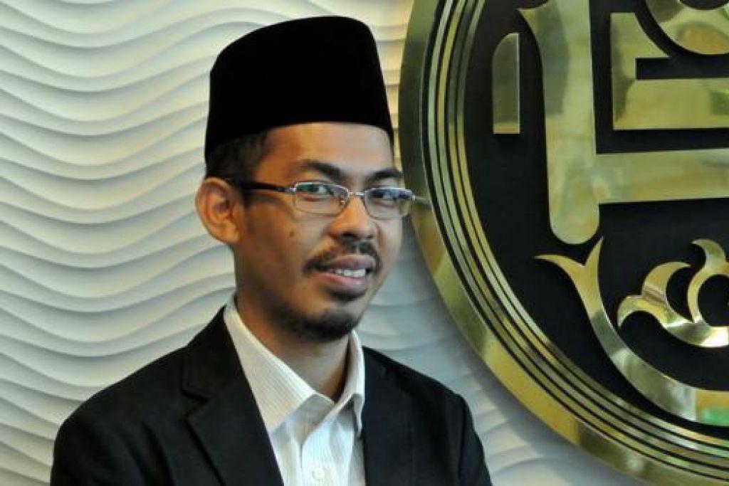 USTAZ MOHAMMAD YUSRI YUBHI: Panji hitam dikaitkan dengan IS dan dikhuatiri ia beri petanda umat Islam sokong IS.