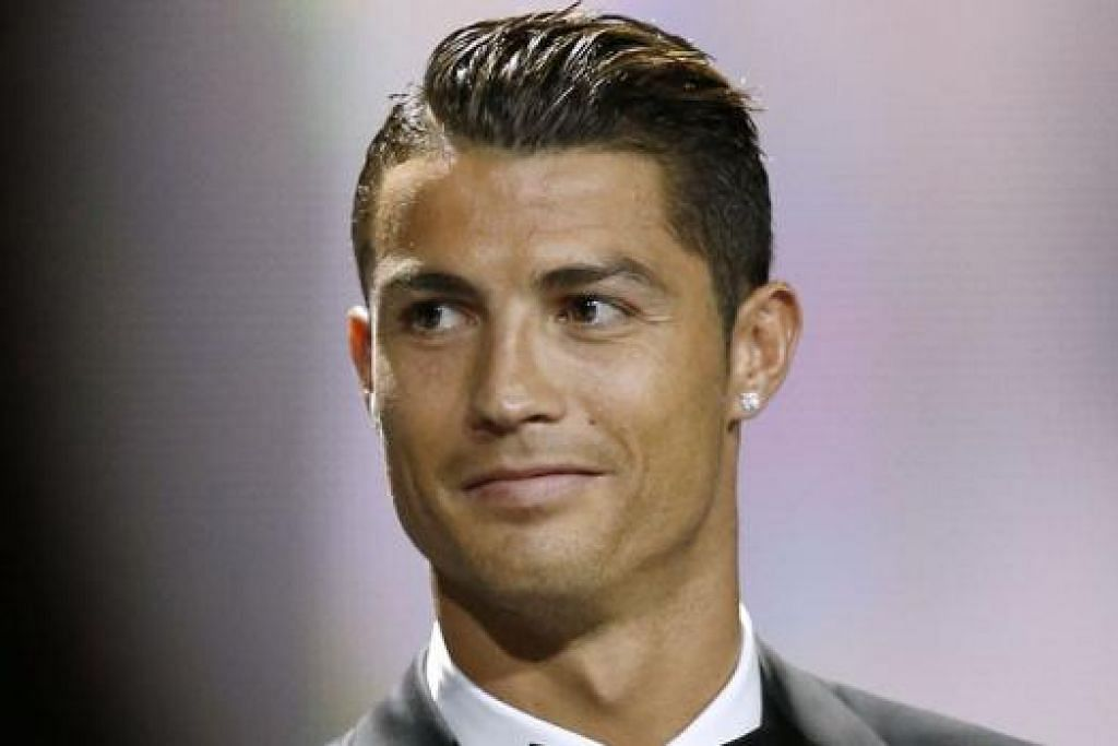 """""""Saya cintakan Manchester. Ini bukan satu rahsia lagi, semua orang tahu... saya sudah mengatakan perkara ini banyak kali sebelum ini. Manchester kekal di dalam hati saya. Saya mempunyai banyak kawan baik. Penyokongnya hebat sekali dan saya benar-benar berharap dapat pulang ke sana suatu hari nanti."""" - Cristiano Ronaldo."""