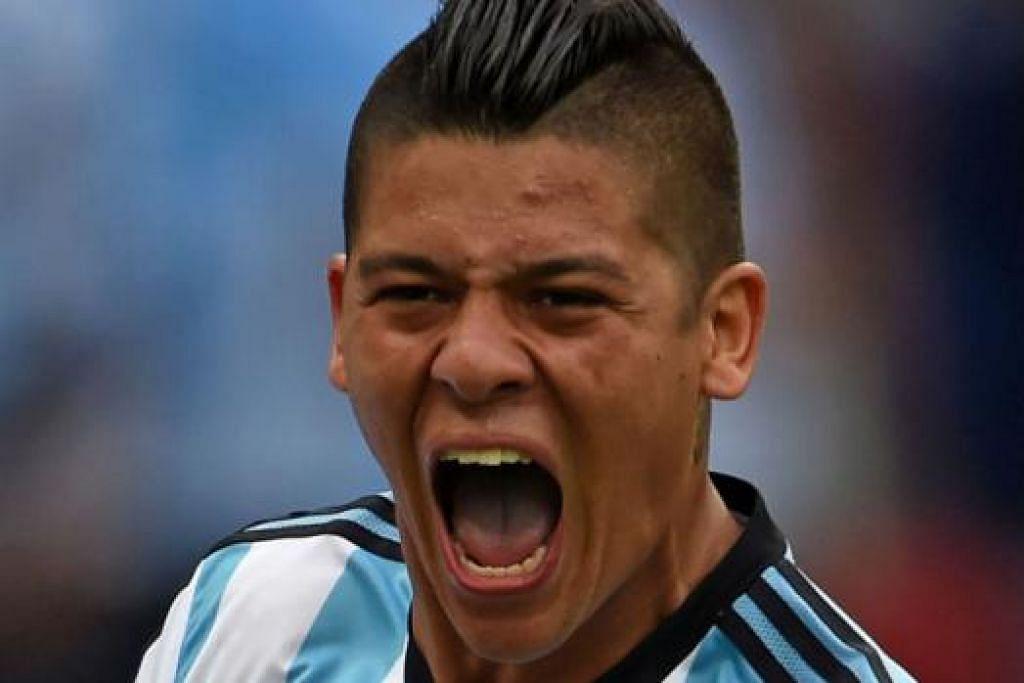 MARCOS ROJO: Permohonan visa kerja Rojo yang diluluskan merupakan berita baik kepada Manchester United. - Foto AFP