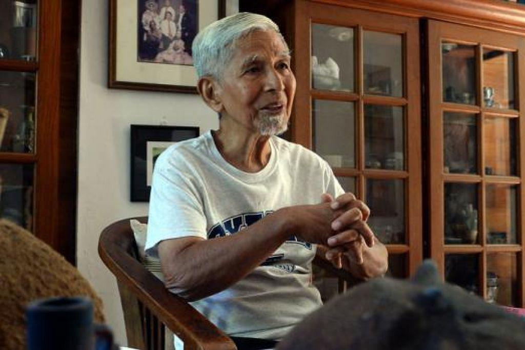 HIDUP TETAP POSITIF: Meskipun menghidapi penyakit barah prostat tahap keempat, pembuat tembikar tersohor, Encik Iskandar Jalil, menganggapnya sebagai satu pengajaran dan meneruskan kehidupannya seperti biasa. - Foto TAUFIK A. KADER