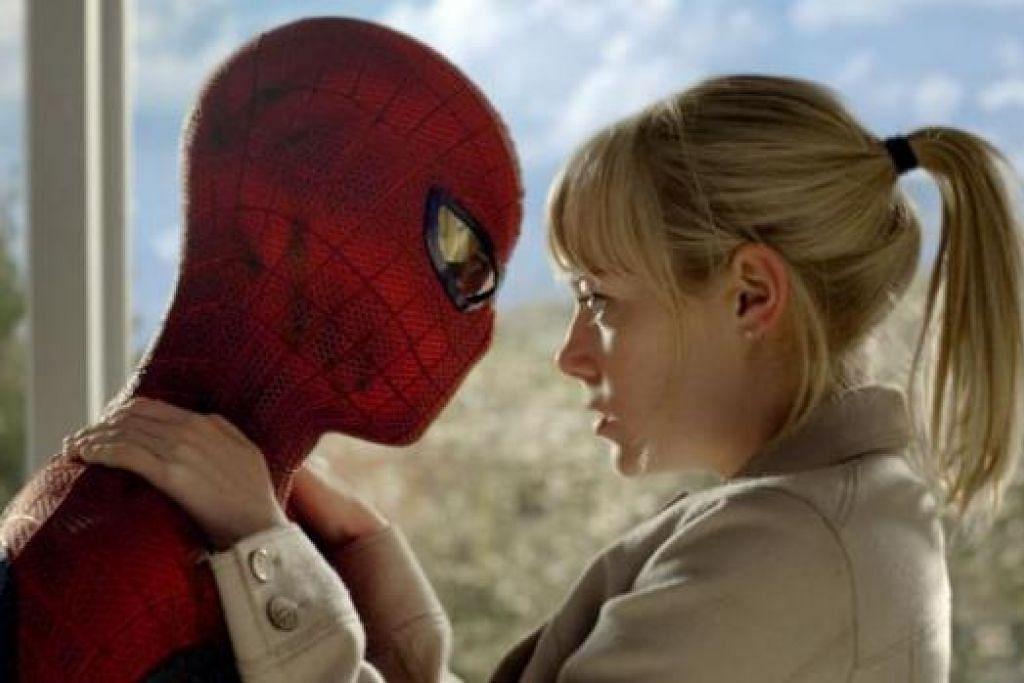 ATAS PENTAS: Selepas membintangi filem The Amazing Spiderman (gambar), Emma Stone kini sedang bersiap sedia membuat penampilan dalam sebuah pementasan muzikal berjudul Cabaret. - Foto-foto AFP