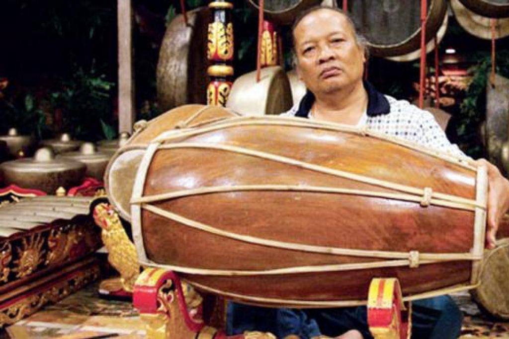 PALUAN BERTENAGA: Rahayu Supanggah begitu bersemangat memajukan gamelan bahkan akan bekerjasama dengan pengarah filem terbilang Indonesia, Garin Nugroho, dalam projek filem muzikal tanpa dialog, yang mengetengahkan muzik gamelan secara langsung. - Foto WARISAN INDONESIA