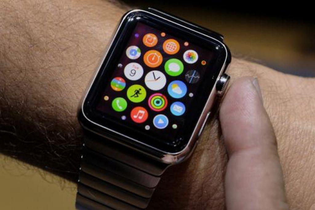 APPLE WATCH: Apple melancarkan jam tangan bijaknya bersama dua telefon bijaknya minggu ini. - Foto BLOOMBERG