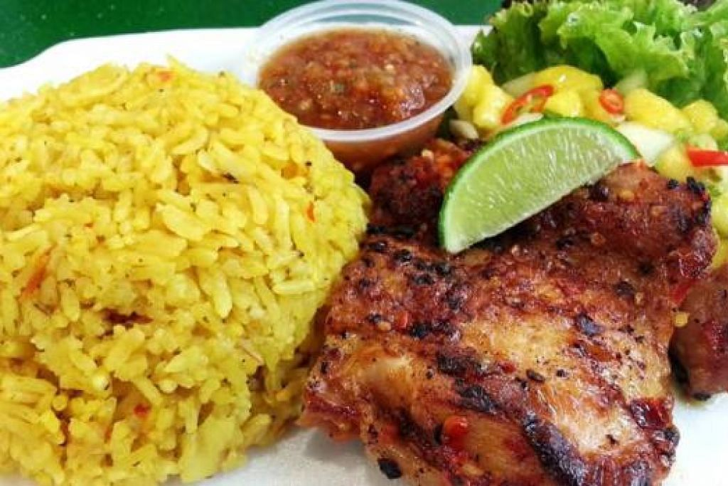ARROZ CON POLLO: Nasi ayam Mexico ini disajikan bersama salsa mangga dan nanas. - Foto-foto KULINARY AFFAIRS