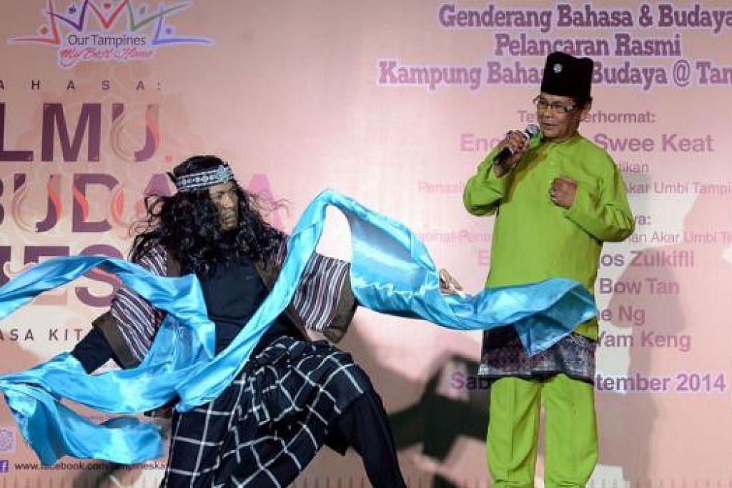 NADA MERDU: R Ismail mendendangkan lagu Gelombang dengan iringan illustrasi tarian Mohd Naim Pani.