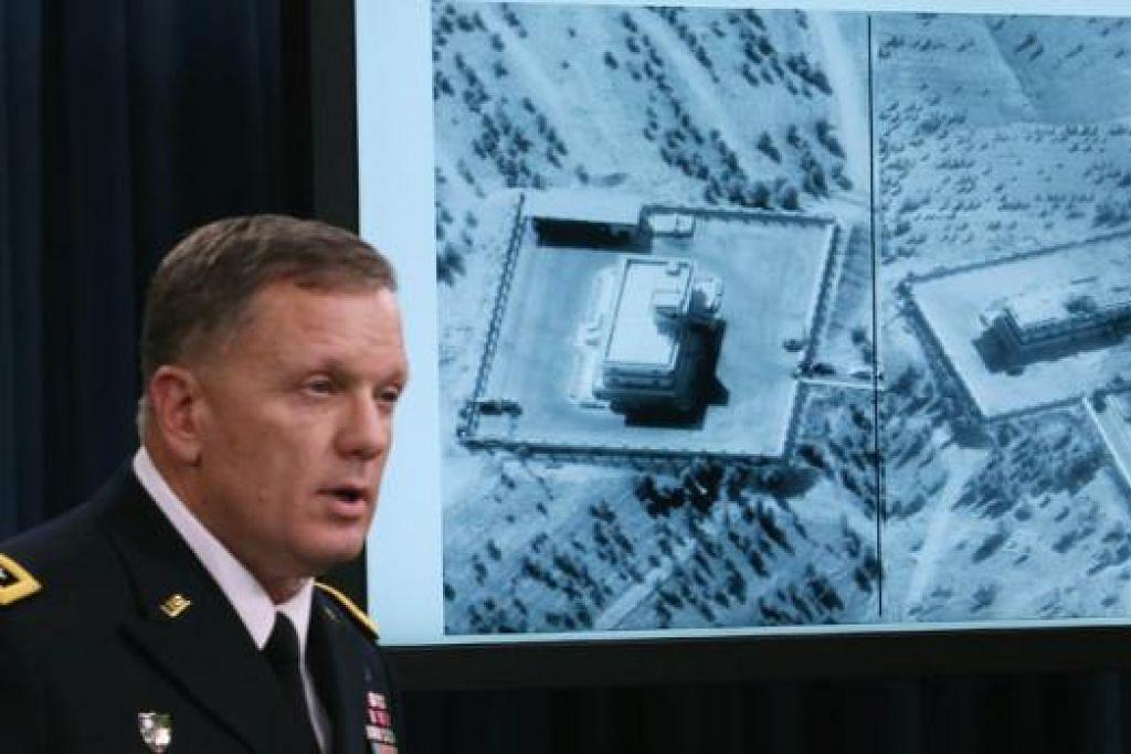 BERI TAKLIMAT: Leftenan Jeneral William C. Mayville Jr. memberi penerangan di Pentagon kepada media mengenai serangan ke atas militan IS di Syria baru-baru ini. - Foto AFP