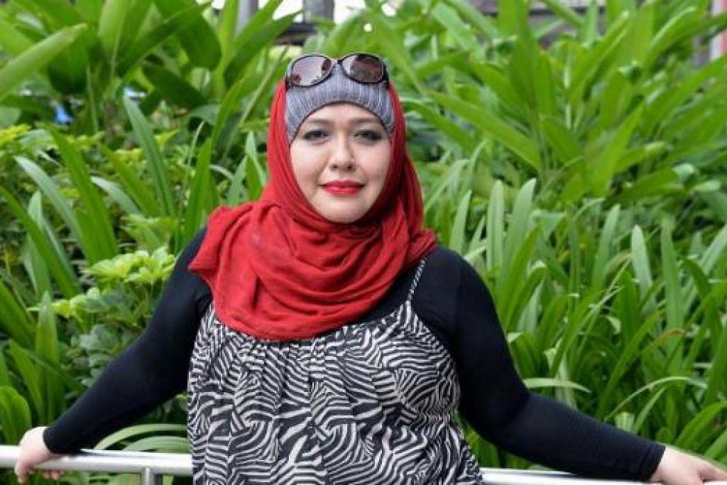 CERIA DAN BERTENAGA: Cik Noorlela Abdullah, 42 tahun, menjalani rawatan perubatan tradisional Cina untuk mengatasi penyakit barah rahimnya yang dihidapi sejak 2007. Beliau baru memulakan perniagaan baru dalam bidang pendidikan dan latihan. - Foto M.O. SALLEH