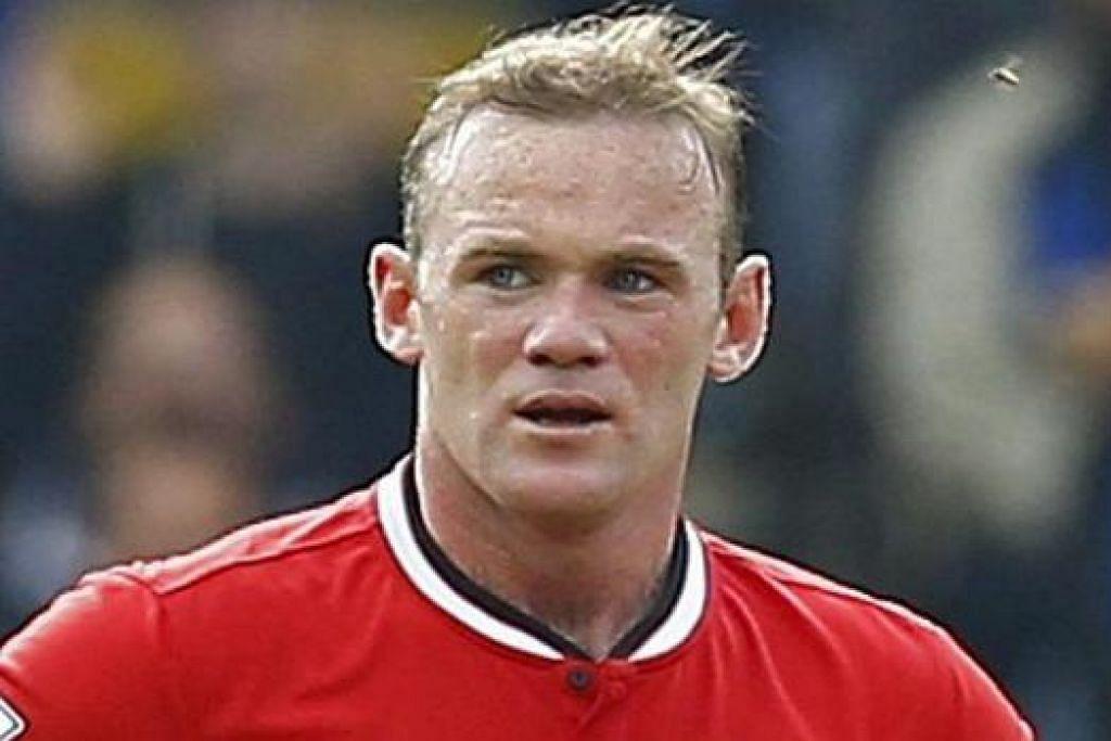 AKUR AKAN KESILAPAN: Tindakan Wayne Rooney (gambar) semasa Manchester United menentang West Ham United Sabtu lalu dikatakan 'tidak bertanggungjawab' oleh pengurus pasukan lawan. Mamadou Sakho - yang diketepikan pengurusnya - pula meninggalkan stadium ketika pasukannya menentang Everton. - Foto-foto REUTERS