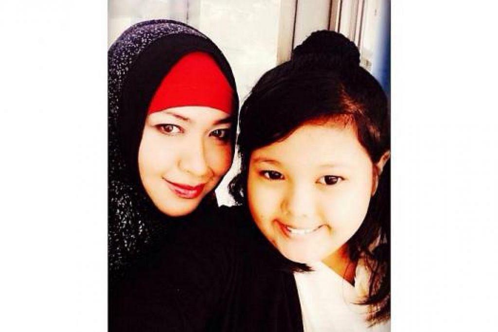 BERSAMA ANAK KESAYANGAN: Cik Noorlela bersama anak tunggalnya, Nur Kayla Ahmad Kamal, 10 tahun. - Foto ihsan NOORLELA ABDULLAH
