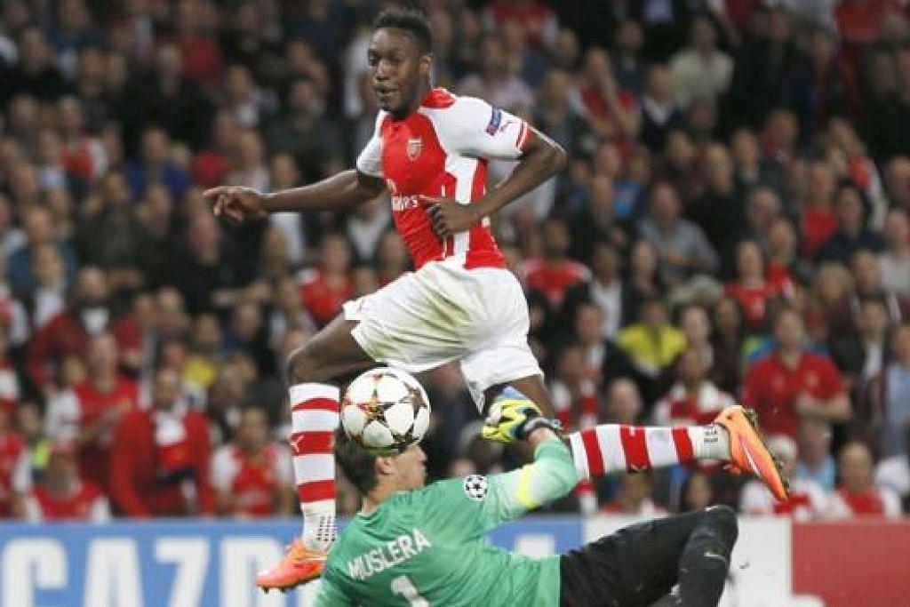 TAMBAH KEYAKINAN DIRI: Daniel Welbeck menambah keyakinan diri apabila beliau menyumbat hatrik pertama untuk Arsenal. - Foto REUTERS