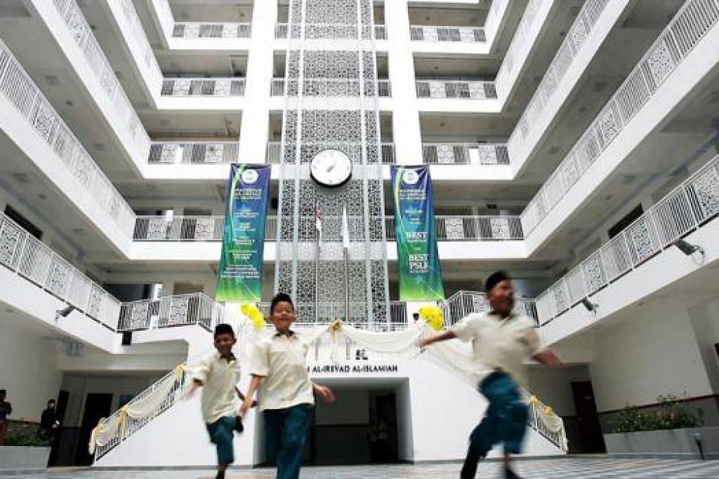 CONTOHI SISTEM PENDIDIKAN: Sistem Madrasah Al-Irsyad dipilih oleh tiga yayasan pendidikan di Indonesia bagi menjadikannya contoh membangunkan rangkaian sekolah di sana. - Foto fail