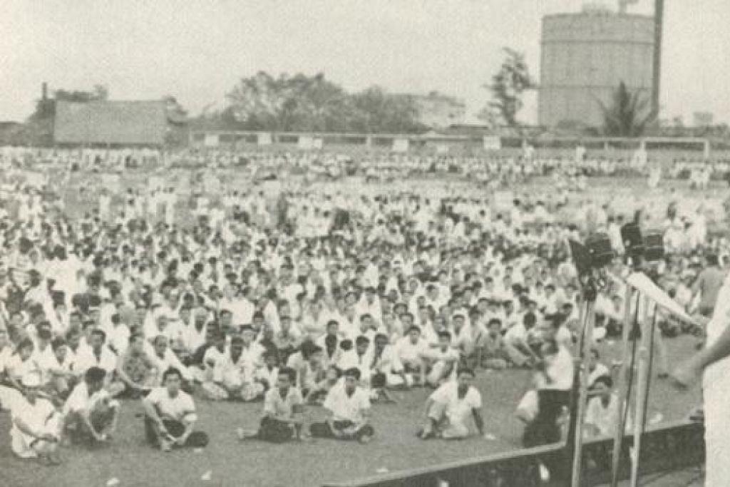 RAPAT HARI BURUH: Pada Mei 1961 di Stadium Jalan Besar, Perdana Menteri Encik Lee Kuan Yew menjelaskan bahawa Parti Tindakan Rakyat (PAP) tidak akan diperalat oleh penjajah British dan pihak komunis.