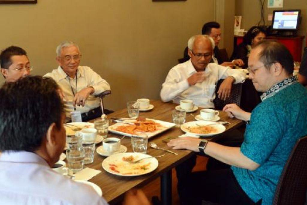 DAPAT SAMBUTAN: Penjualan restoran Agrobazaar melebihi penjualan runcit, justeru lebih banyak hidangan baru akan disediakan di restoran itu bagi memperkenal lebih banyak makanan dari negeri-negeri Malaysia.