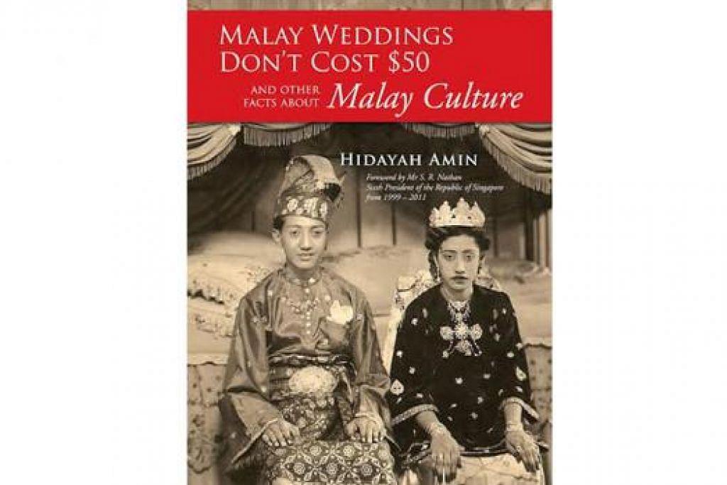 MENDIDIK MASYARAKAT: Penulis buku, Cik Hidayah Amin telah menulis sebuah buku baru berbahasa Inggeris mengenai budaya dan warisan Melayu berjudul Malay Weddings Don't Cost $50 And Other Facts About Malay Culture (gambar atas) supaya bangsa asing juga dapat mengenali budaya dan warisan Melayu.