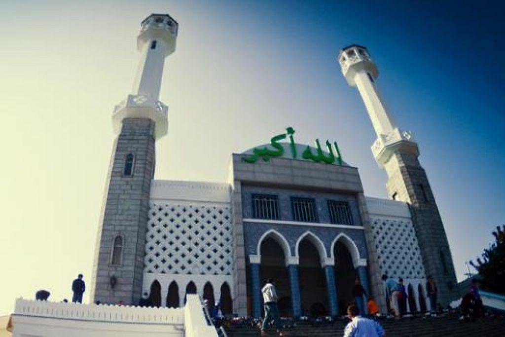 TUMPUAN PELANCONG ISLAM: Masjid Seoul Central yang dibina pada 1976 ini terletak di kawasan Itaewon. - Foto KTO