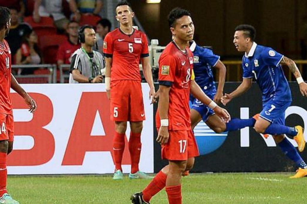 KECEWA: Permulaan positif yang didambakan Singa dalam Piala AFF Suzuki tidak kesampaian, meskipun impian mereka ke separuh akhir belum lagi terkubur. - Foto ZAINAL YAHYA