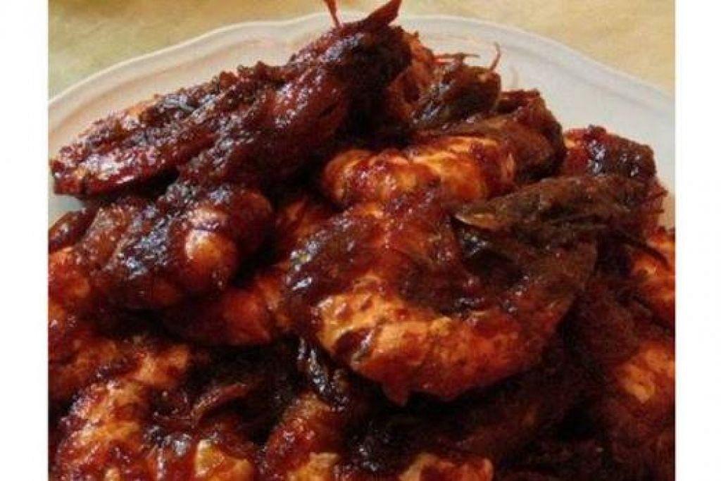 SAMBAL TUMIS UDANG: Hmmm... sedap sambal tumis udang dimakan dengan nasi lemak.