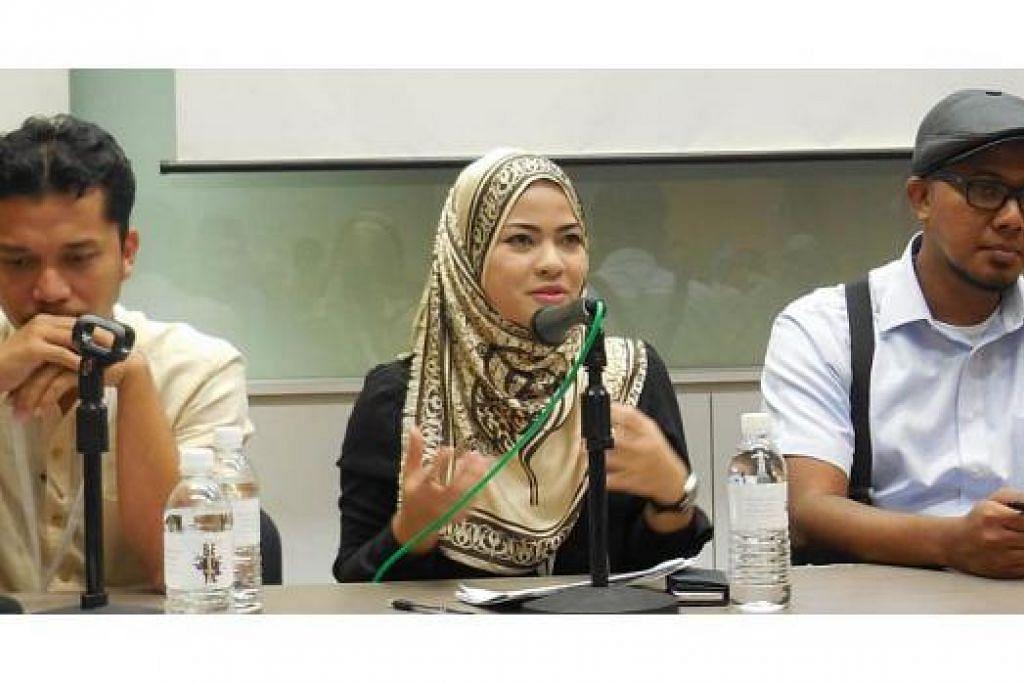 TEGUH BERKARYA: Walau sibuk bekerja, tiga penulis ini (dari kiri) Muhammad Lutfi Ishak, Wan Iman Wan Mohd Noor (@Evelyn Rose) dan Hassan Hasaa'ree Ali, gigih berkarya dengan ketertiban tinggi. -Foto MOHD RAMAN DAUD