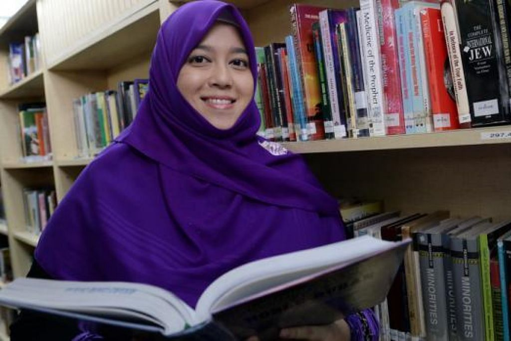 CIK SITI SYUHADA FAIZAL: Turut buat kajian sama ada kalangan tahfiz Al-Quran yang tidak berbahasa Arab tetapi mampu membaca dan menghafal Al-Quran dapat meraih ilmu melalui sebutan bahasa dan bunyi. - TAUFIK A. KADER