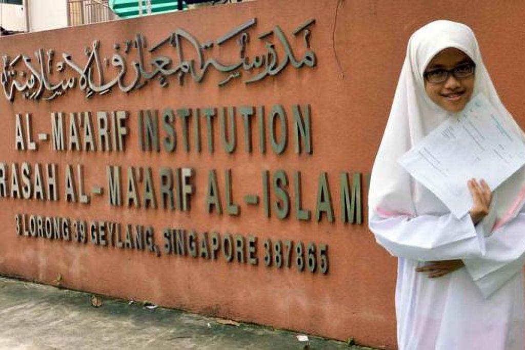 BERJAYA CAPAI KECEMERLANGAN: Lulusan Madrasah Al-Maarif Al-Islamiah di Geylang, Nur Adibah Nasuhah Mohamed Ghazali, 12 tahun, berjaya meraih agregat lebih 200 dalam Peperiksaan Tamat Sekolah Rendah (PSLE) tahun ini.