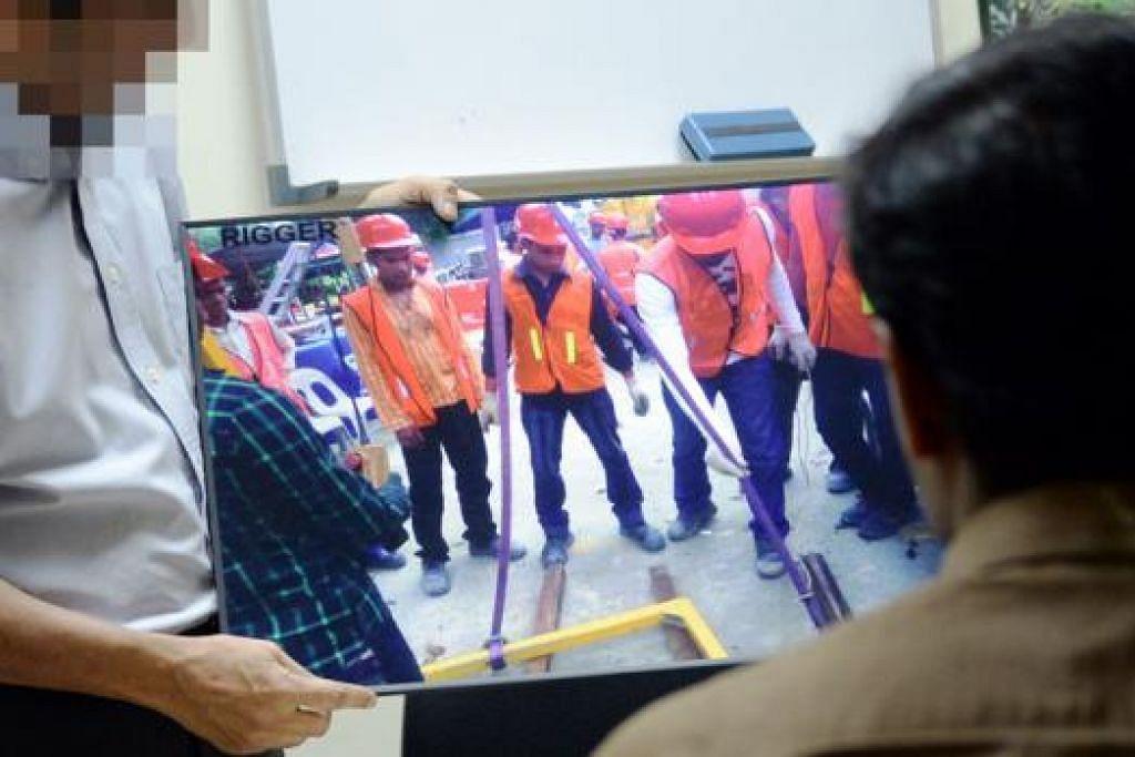 LATIHAN KESELAMATAN TIDAK BOLEH DIKOMPROMI: Encik Mos yang telah menganjurkan pelbagai kursus keselamatan bagi pekerja binaan sejak 2003, mendapati kursus-kursus kelolaan pusatnya semakin banyak berkurangan sejak enam bulan lalu.