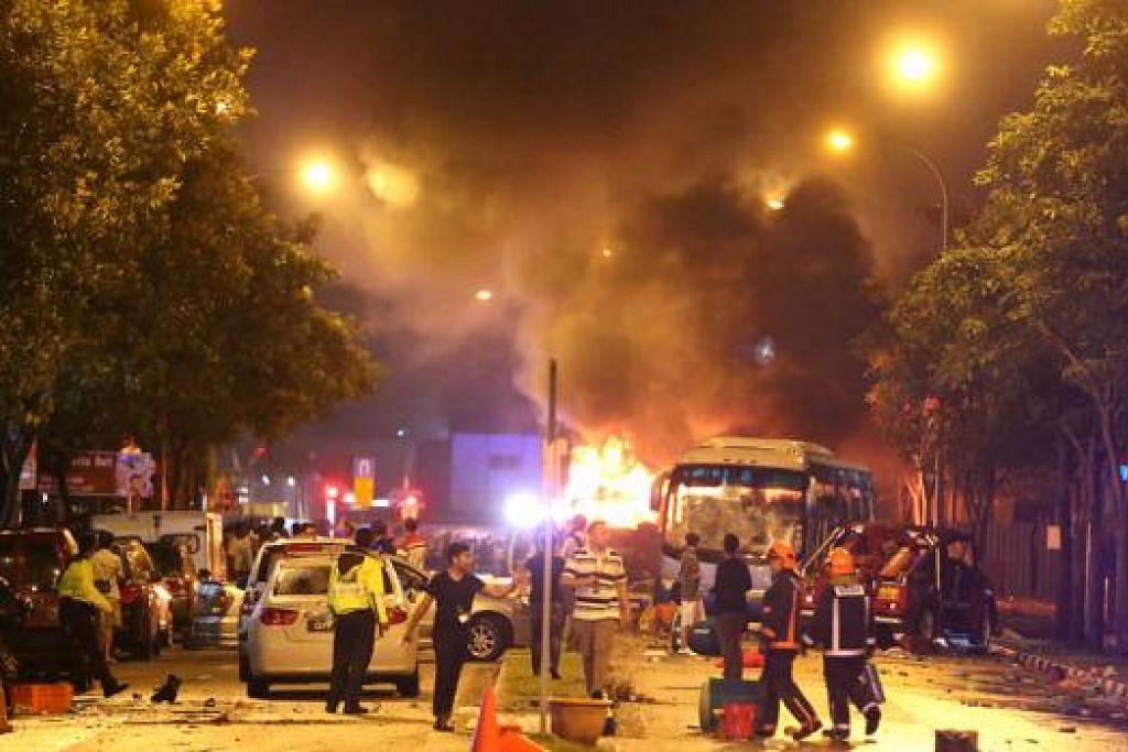 PERISTIWA HITAM: Rusuhan pada 8 Disember tercetus selepas seorang pekerja asing maut digilis sebuah bas. Sekitar 300 orang terlibat dalam rusuhan tersebut - 25 daripadanya telah diberkas di tempat kejadian dan lebih 400 lain dipanggil untuk membantu siasatan pihak berkuasa. - Foto fail