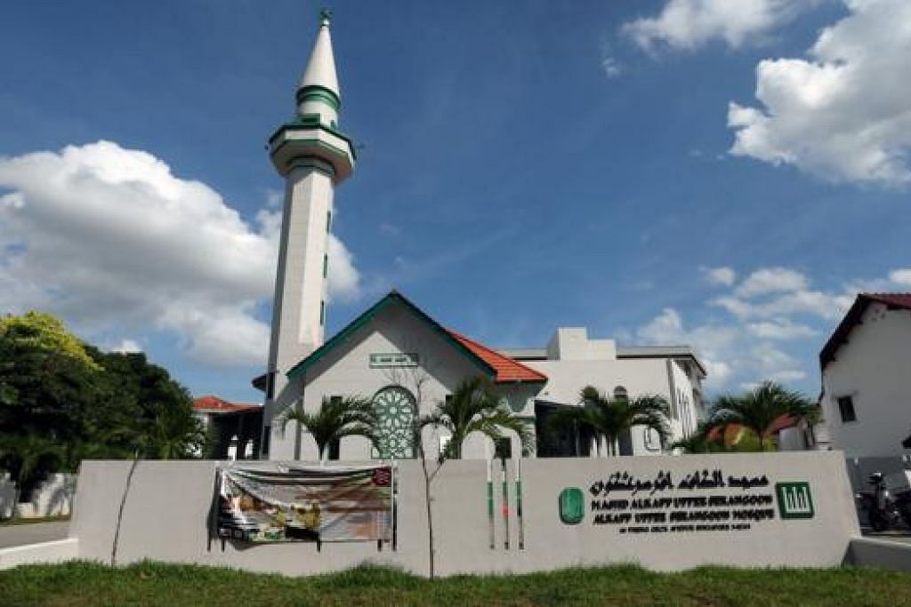 MEMPERINGATI SUMBANGAN PENTING KELUARGA ALKAFF: Masjid Alkaff Upper Serangoon kini merupakan monumen negara yang ke-68. - Foto THE STRAITS TIMES
