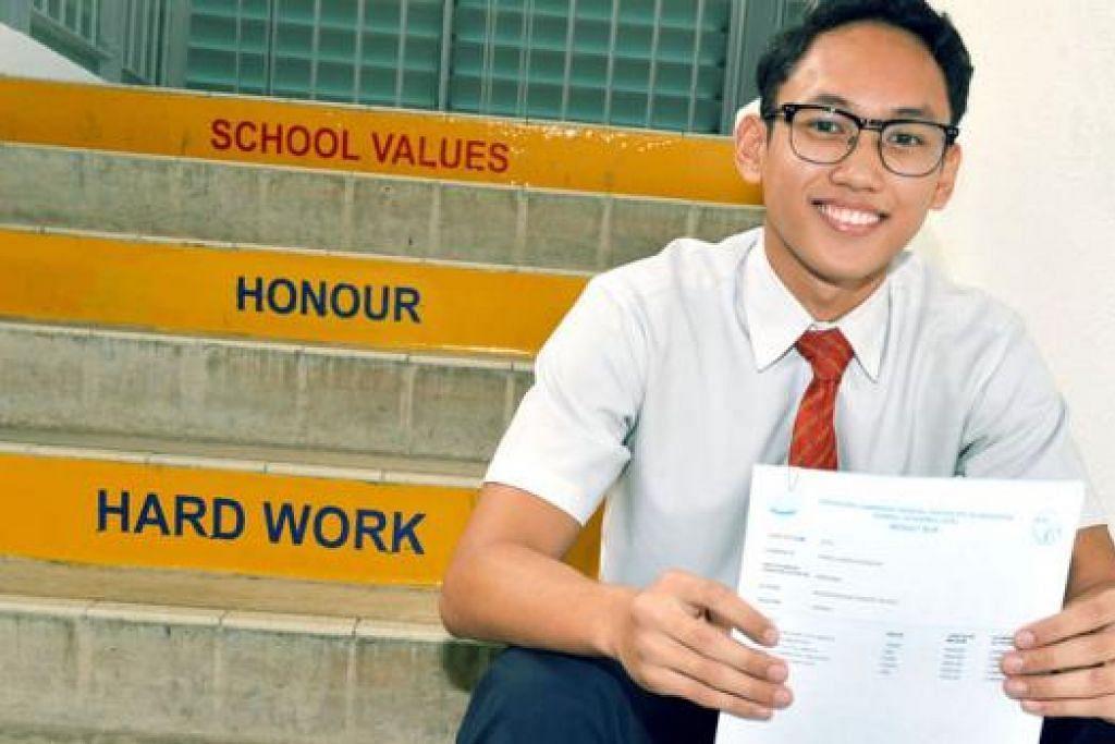 AKHIRNYA BERJAYA JUGA: Walaupun menghadapi pelbagai cabaran semasa di menengah satu dan dua, Kamaluddin membuktikan bahawa dia juga boleh berjaya dalam bidang akademik dan bukan akademik. - Foto KHALID BABA