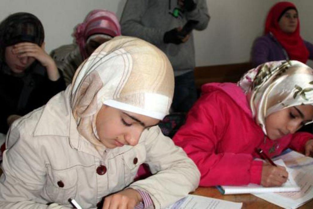 TERUSKAN PENDIDIKAN: Sekolah itu boleh menampung sehingga 400 pelajar, termasuk di peringkat sekolah menengah, dan menawarkan mata pelajaran seperti Bahasa Arab, Bahasa Turki, Bahasa Inggeris, Fizik, Kimia, Biologi, Sejarah, Ilmu Alam dan Pengajian Sosial.