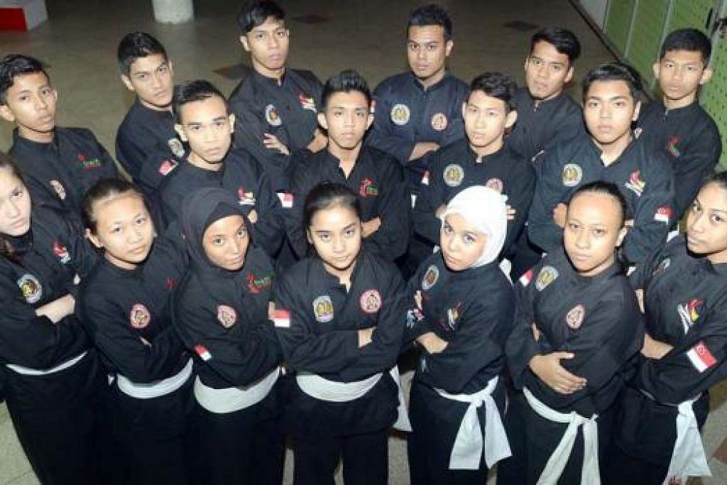 BURU PENDEDAHAN: Pasukan nasional seramai 24 anggota berusia muda tetapi perlu menimba seberapa banyak pengalaman yang mampu di Kejohanan Pencak Silat Dunia ke-16 di Phuket, Thailand bulan depan.