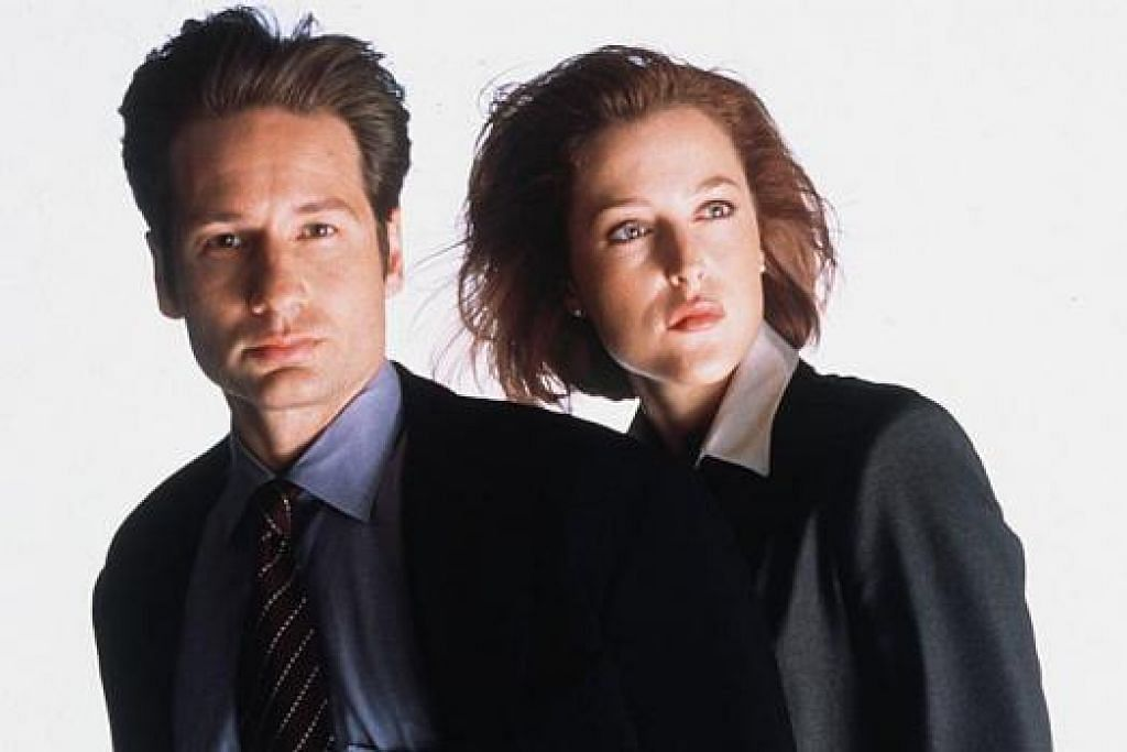 CUKUP POPULAR: Drama bersiri The X-Files ini (gambar) lakonan David Duchovny dan Gillian Anderson cukup popular dahulu. - Foto-foto REUTERS dan TWENTIETH CENTURY FOX