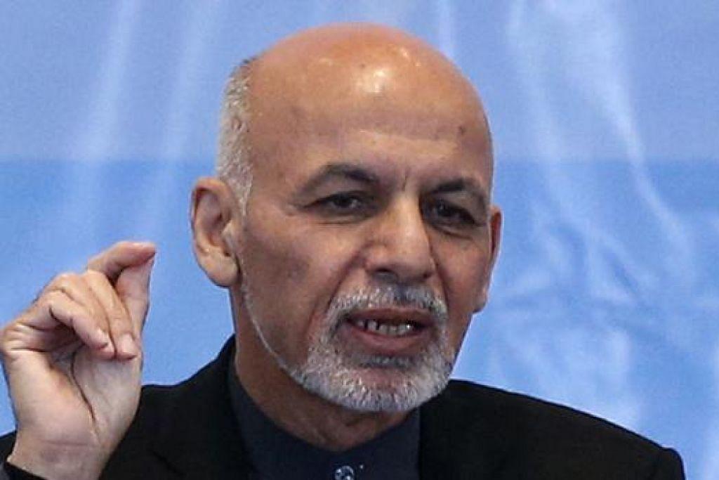 ENCIK ASHRAF GHANI: Mengangkat sumpah sebagai Presiden Afghanistan pada September lalu. - Foto REUTERS