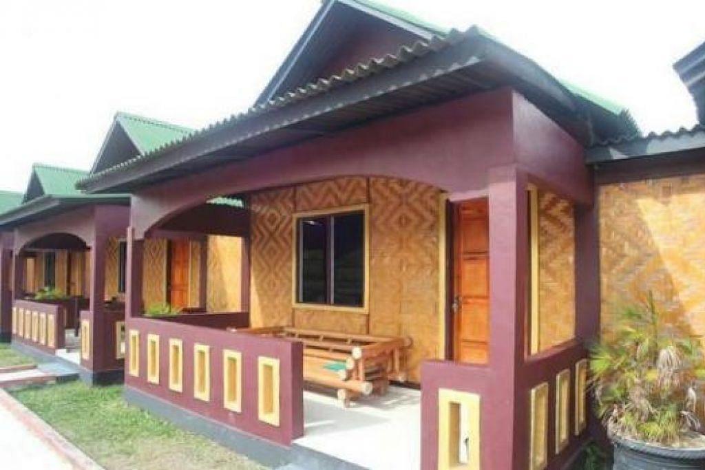 BALIK KAMPUNG: Kampung Sayang Resort mempunyai 10 chalet ala kampung berhawa dingin dan lima lagi yang tidak berhawa dingin. – Foto-foto KAMPUNG SAYANG RESORT