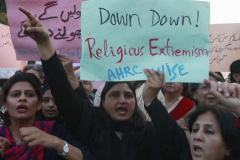 AWAS RADIKAL: Suasana masyarakat tidak adil dan menipisnya toleransi boleh mencetuskan radikalisme. - Foto hiasan