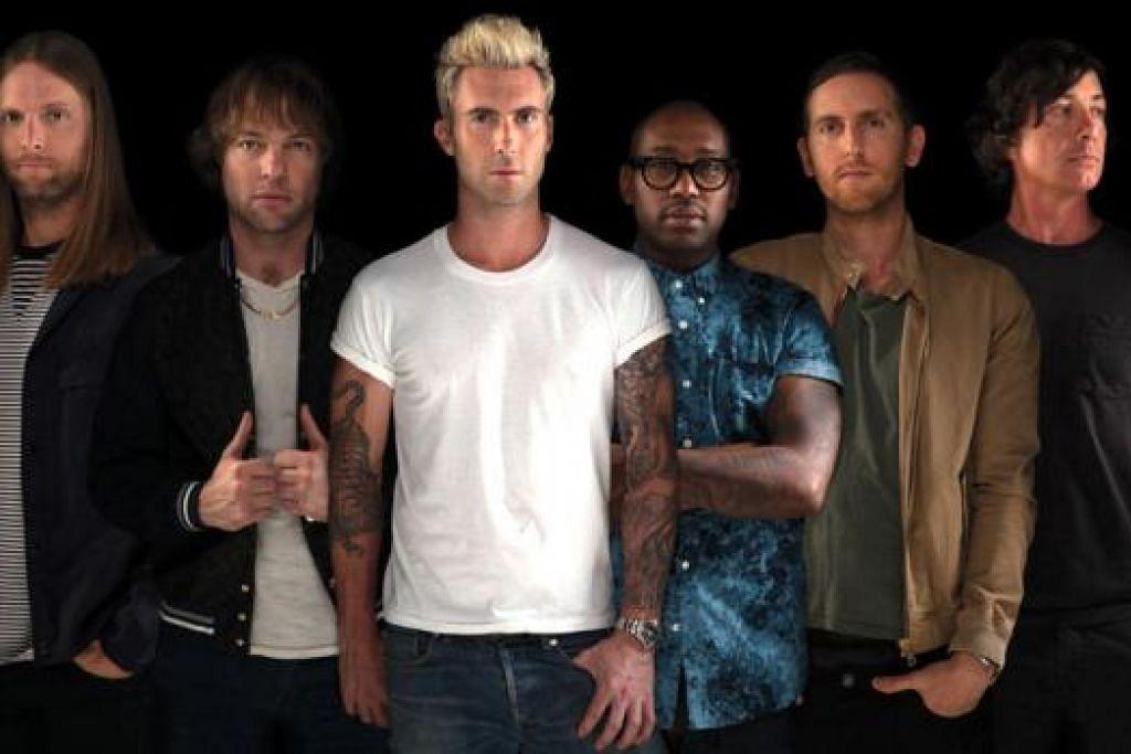 KEMBALI LAGI: Kumpulan band pop rok Maroon 5 kembali buat kali kedua untuk menggegarkan pentas acara perlumbaan malam Formula Satu (F1) Singapore Airlines Grand Prix Singapura. - Foto UNIVERSAL MUSIC