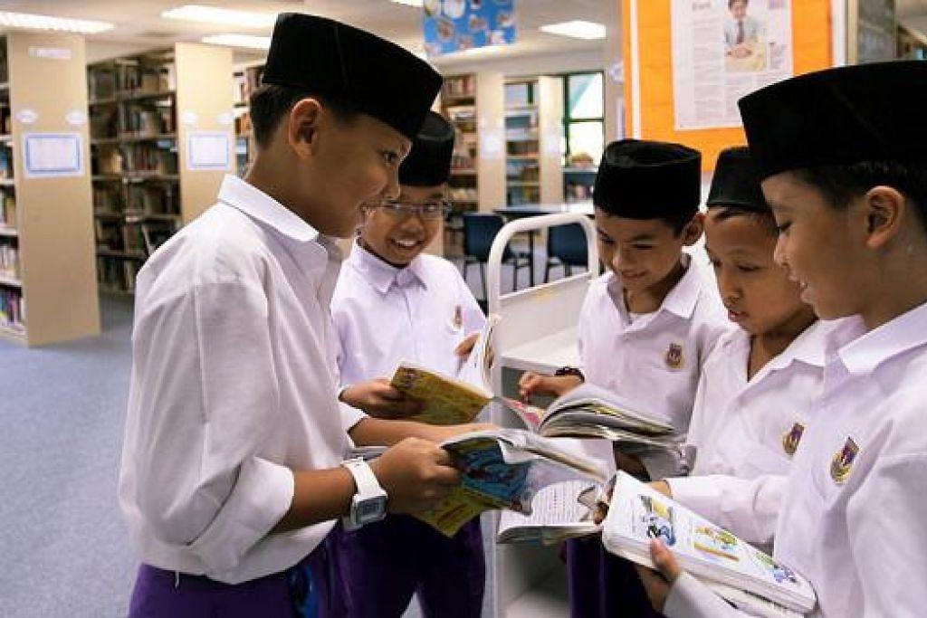 KUTUBKHANAH, GEDUNG ILMU: Islam menitikberatkan kededua ilmu duniawi dan ukhrawi sejajar dengan seruan yang terkandung dalam Surah Al-Alaq, ayat 1-5. - Foto hiasan