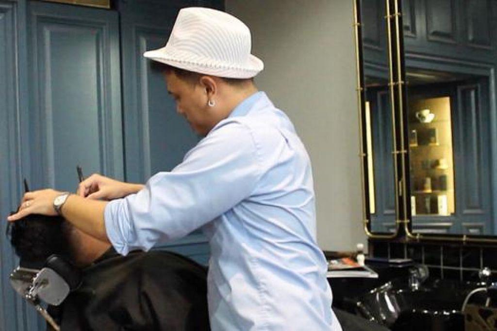 TERBAIK BAGI BULAN DISEMBER: Video mengenai kedai gunting rambut baru dan lama ini menarik perhatian juri dan berjaya meraih anugerah video terbaik. - Foto BH DIGITAL
