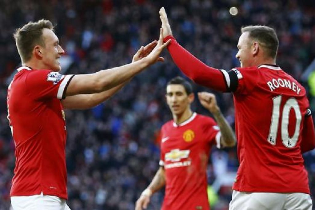 BURU KEMENANGAN LAGI: Para pemain Manchester United, termasuk Wayne Rooney (kanan), digesa mengekalkan tempo kemenangan apabila bertandang ke padang West Ham hari ini. - Foto REUTERS.