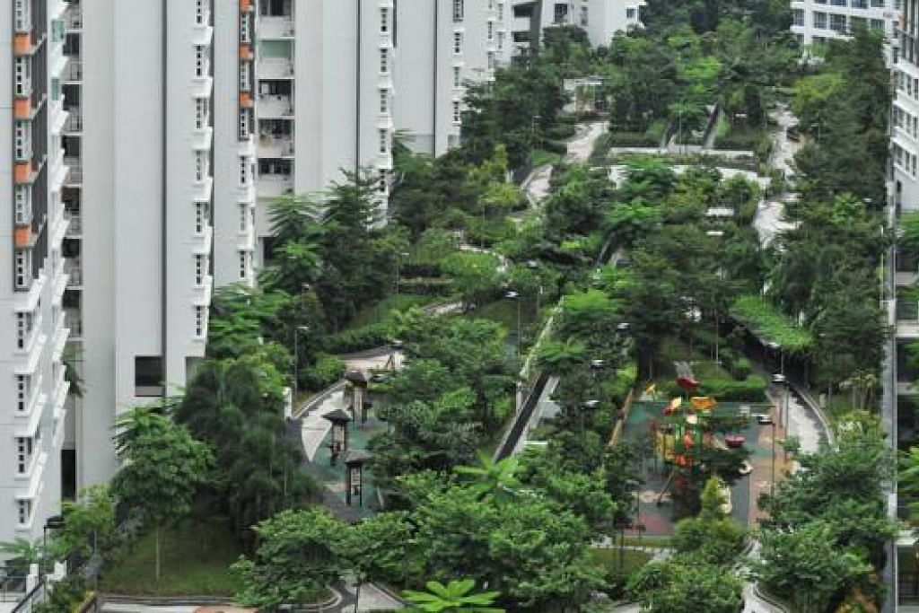 TAMAN BUMBUNG: Memberi pemandangan alam semula jadi yang segar kepada penduduk.