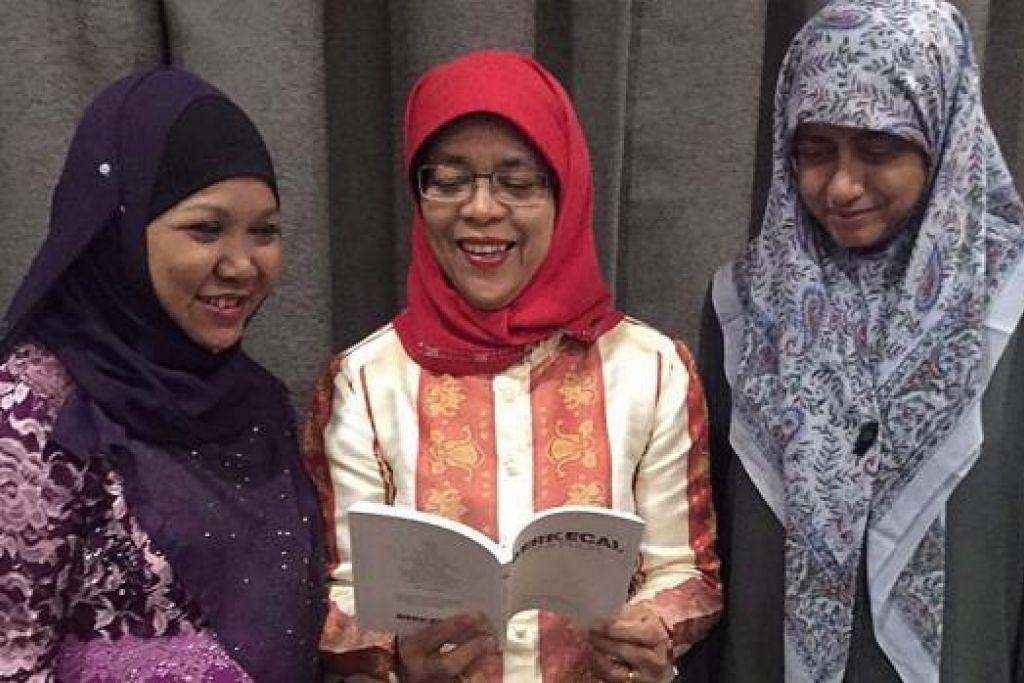 TINGKAT KESEDARAN PENYAKIT MENTAL: Cik Halimah bersama penulis buku Berkecai, Kami Pulih, Dr Radiah (kanan) dan Cik Yohanna. – Foto CLUB HEAL