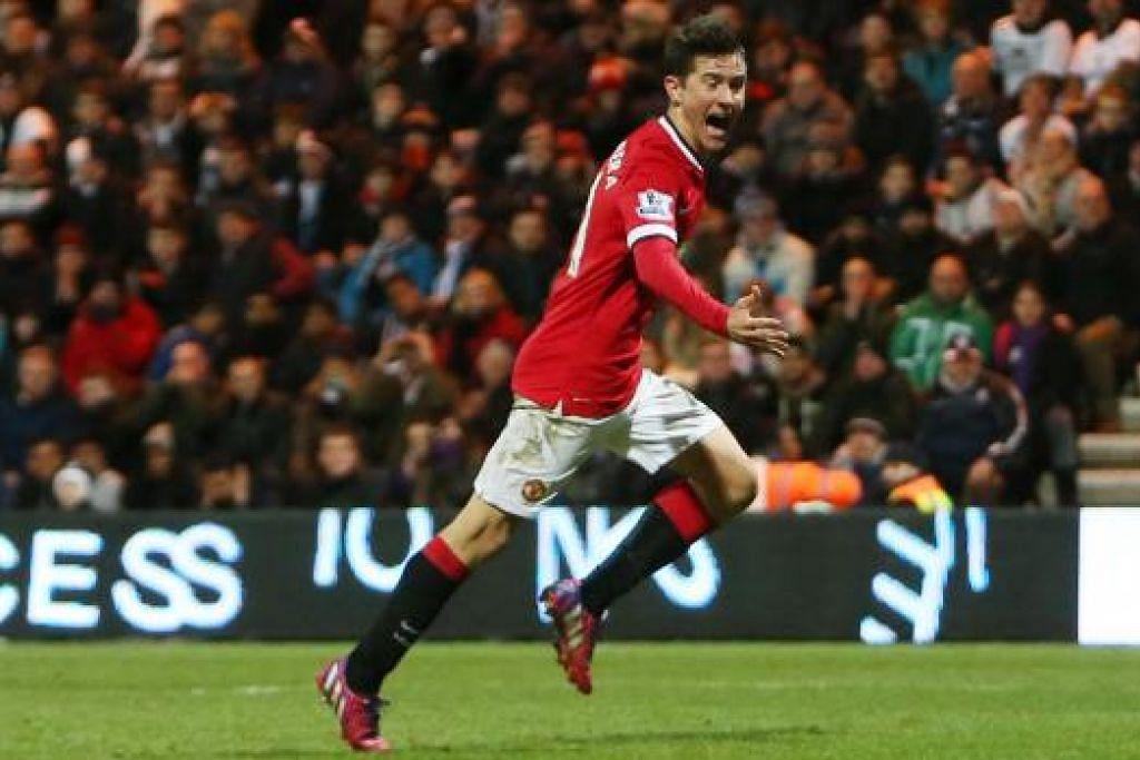 WIRA PASUKAN: Ander Herrera meraikan gol penyamaan yang dijaringkannya pada minit ke-62.