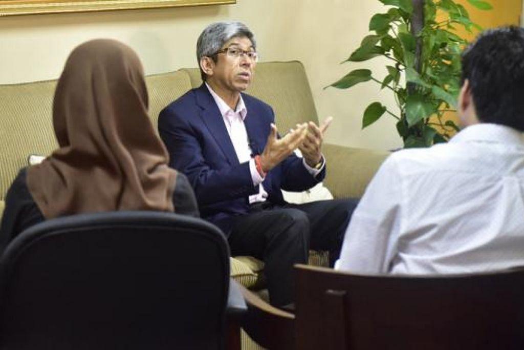 MERIAHKAN CIRI-CIRI MELAYU: Dr Yaacob berkata sambutan SG50 Mendaki beri peluang hidupkan dan meriahkan ciri-ciri Melayu yang baik. - Foto MENDAKI
