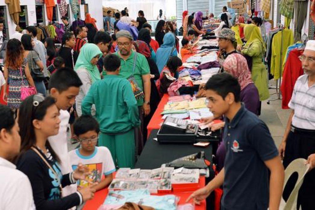 MASALAH JADI MELAYU?: Apakah orang Melayu sekarang sekadar Melayu kerana namanya atau mereka dapat menyerap dan mengamalkan nilai jati diri Melayu? - Foto hiasan